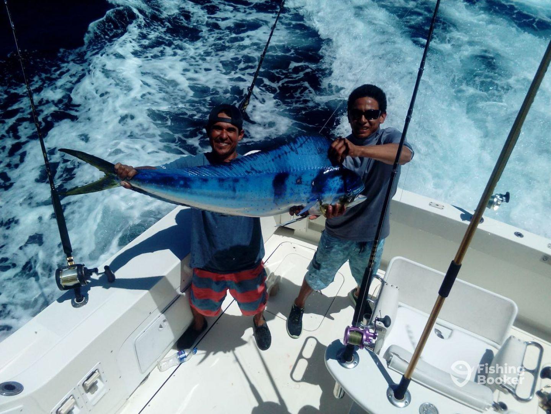 Cabo Sportfishing Crew - El Pargo