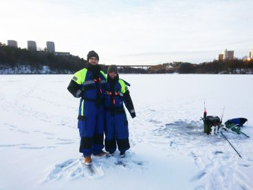 Fishing Guide Lars Lindahl – Ice Fishing