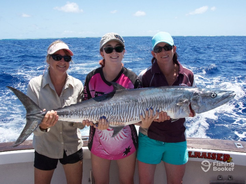 Cairns Black Marlin Charters – 43'