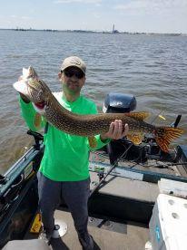 Lure-In Fishing Guide – Oshkosh