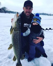 Pj's Guide Services – Ice Fishing