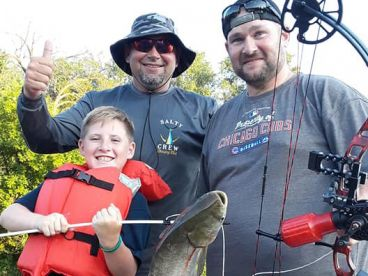 Bowfishing Starved Rock Guide Service