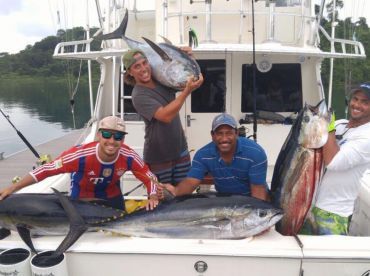 Bloodydecks Fishing Charters - 33'