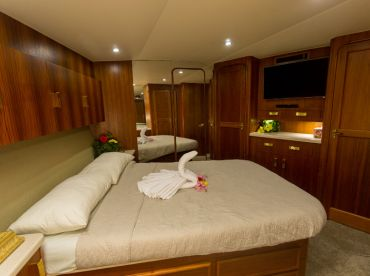Master cabin with personal shower/toilet