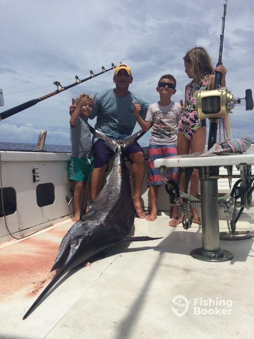 blue marlin 200 lbs