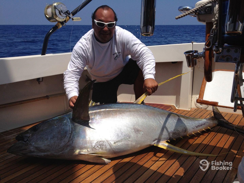 Foxy lady sportfishing kailua kona hi fishingbooker for Kona hawaii fishing