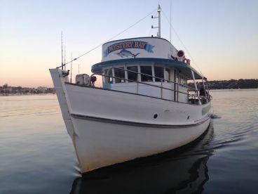 Deep Blue Charters - Mystery Bay
