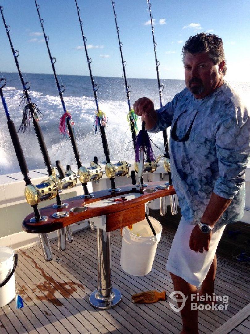 My mate charters montauk ny fishingbooker for Montauk ny fishing