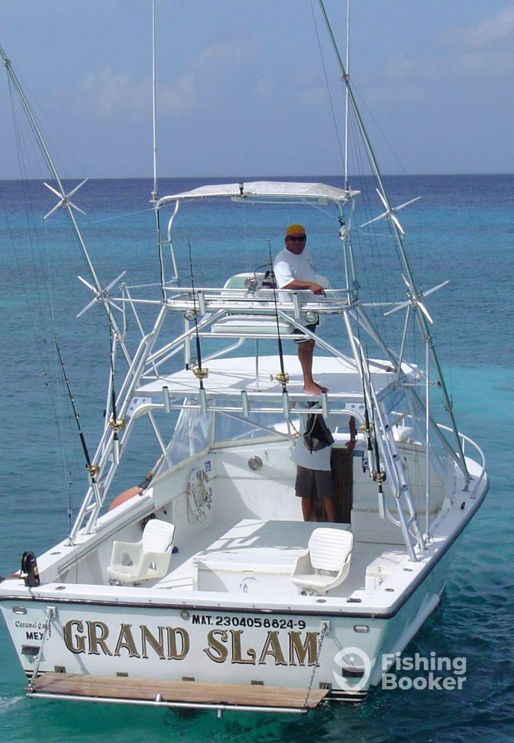 Aquadventures 30 39 grand slam cozumel mexico for Cozumel fishing charters
