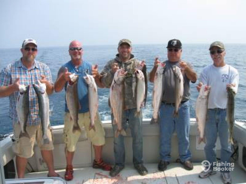Blue max charters salmon fishing milwaukee wi for Milwaukee charter fishing