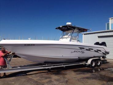 33' Donzi 32ZF Offshore Sport fishing Boat