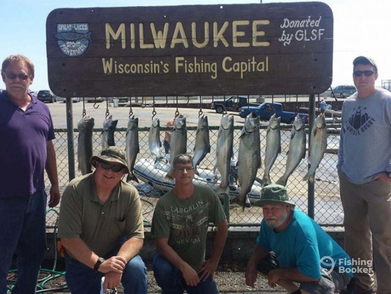 Manhardt charters lake michigan milwaukee wi for Milwaukee charter fishing