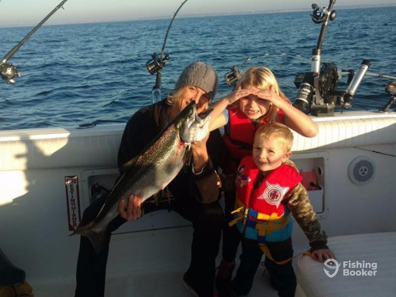 Slipknot charters manistee mi fishingbooker for Charter fishing manistee mi