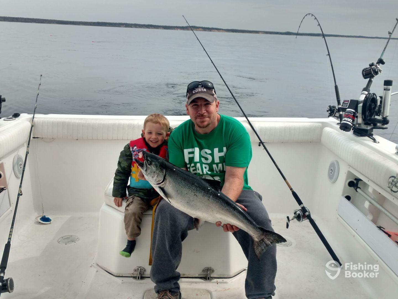 Slipknot charters manistee mi fishingbooker for Manistee fishing charters