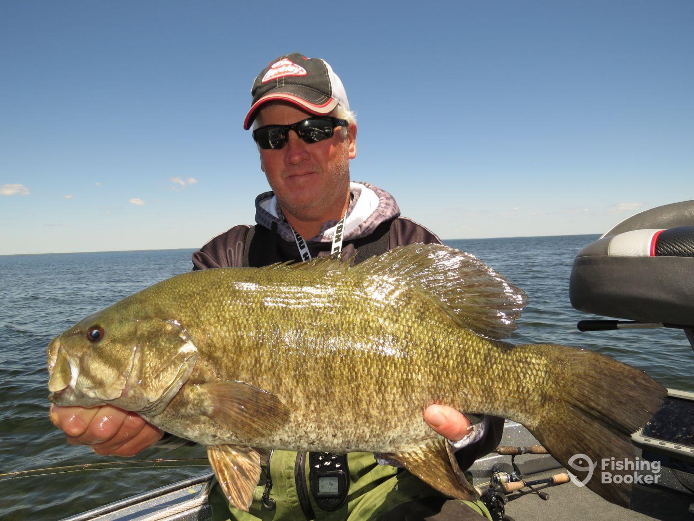 Alexanders sport fishing green bay wi fishingbooker for Green bay fishing charters