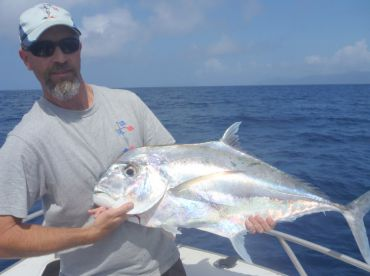 Popper fishing on the reef from Cairns for Trevally