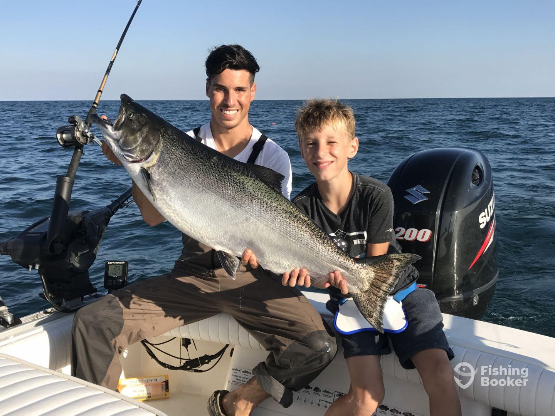 Milwaukee offshore port washington port washington wi for Washington fishing charters