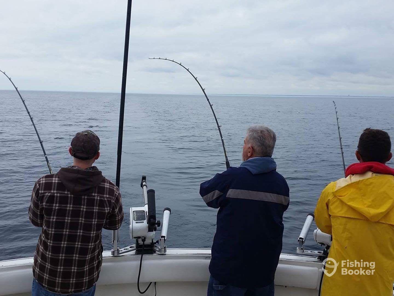 Maritime charters milwaukee wi fishingbooker for Milwaukee charter fishing