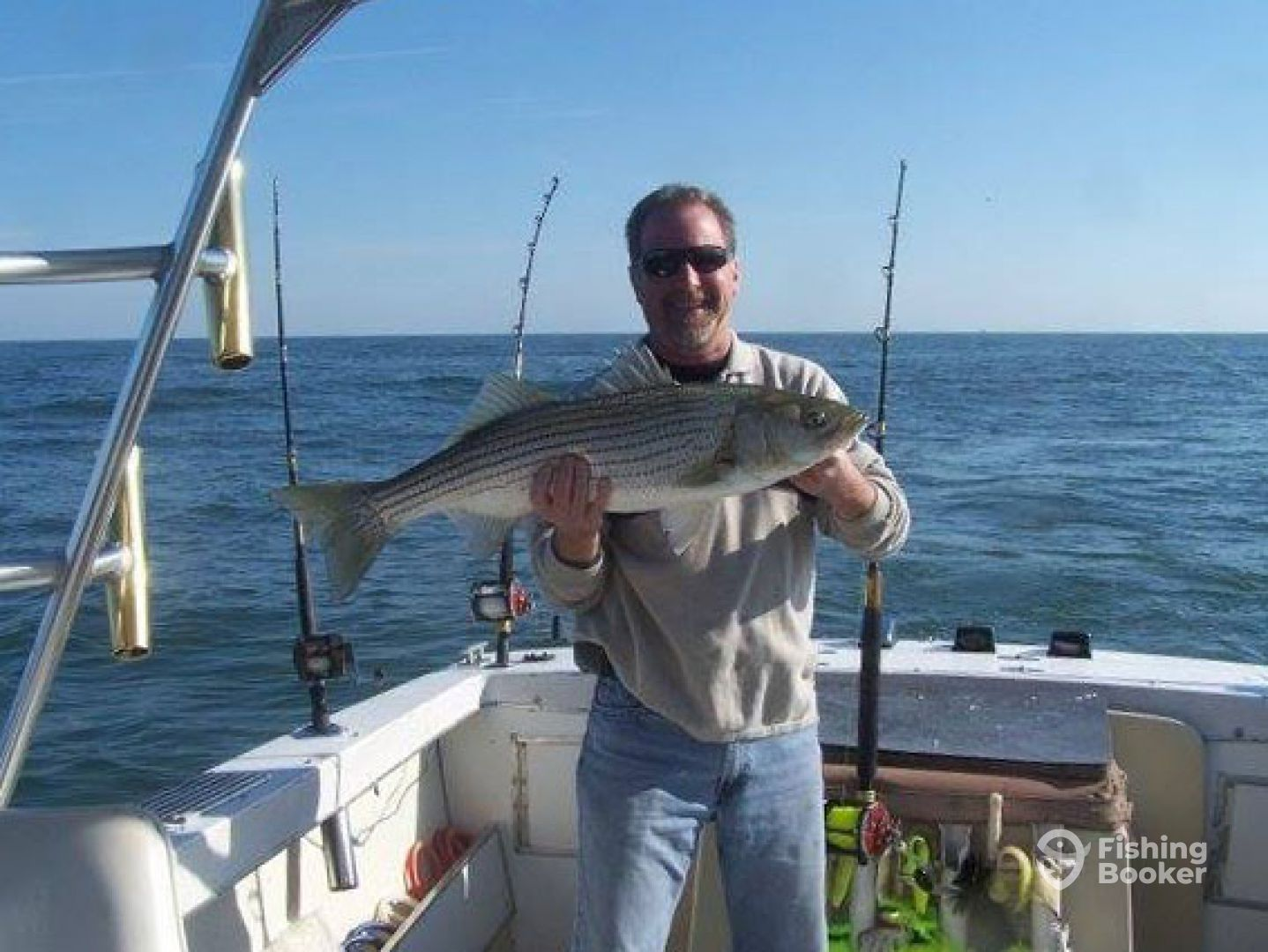 Fishhook sport fishing norfolk va fishingbooker for Va fishing charters