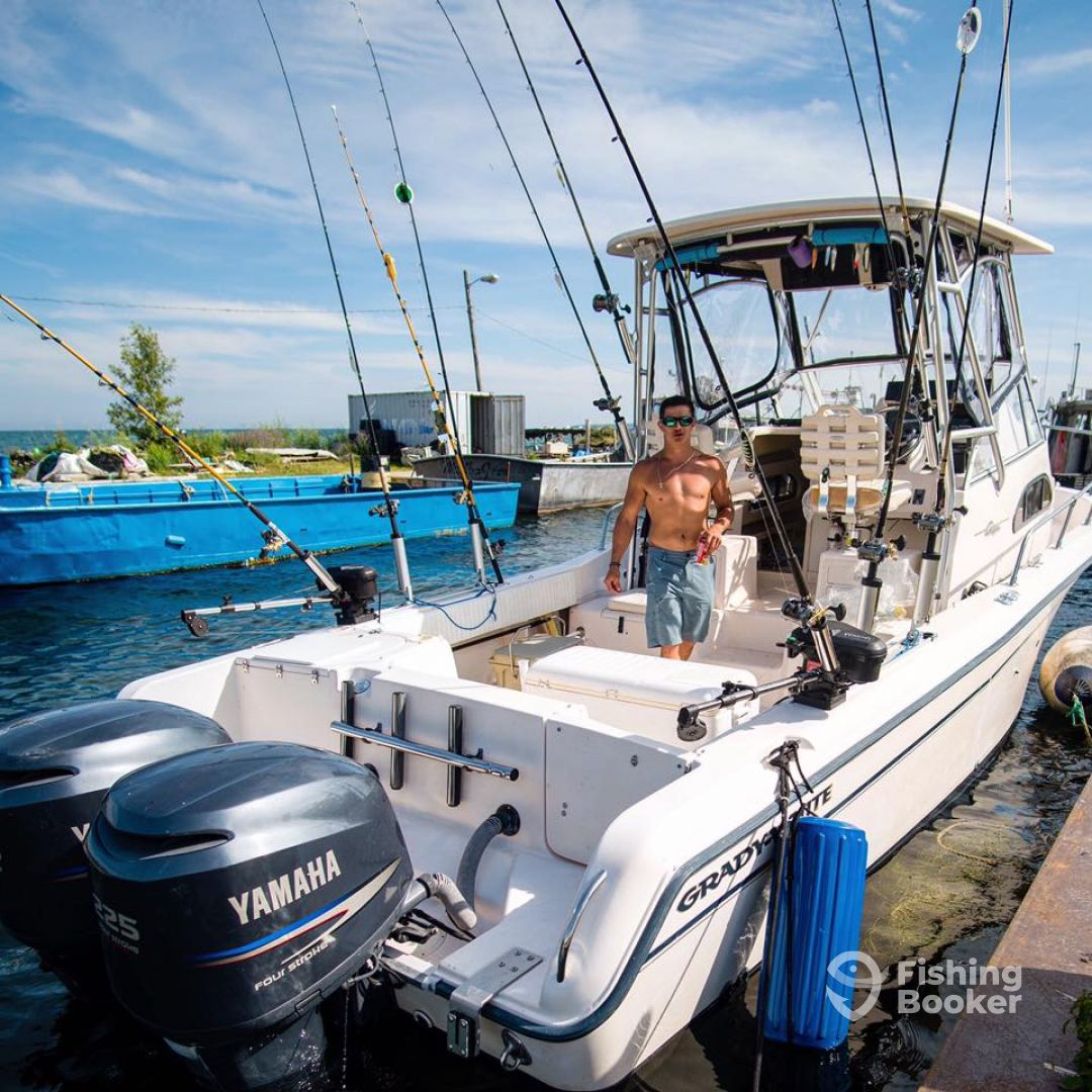 Hooked up charters lake superior marquette mi for Lake superior fishing charters