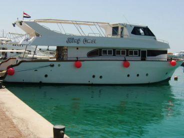 Hurghada Boat Charters - Omar
