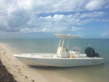 Shadowcaster Flats Fishing - 22'