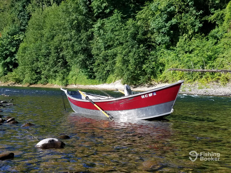 Rather b fishing drift boat portland or fishingbooker for Drift boat fishing