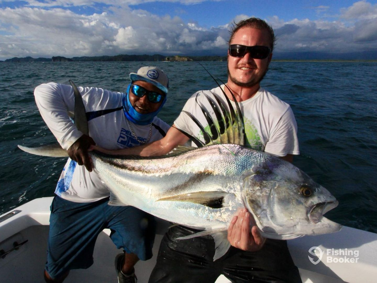 JACKSONVILLE MASSIVE FISHING IN COSTA RI - Quepos Fishing