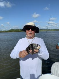 Very experienced guide, laid back, great customer service, and a boat full of fish!