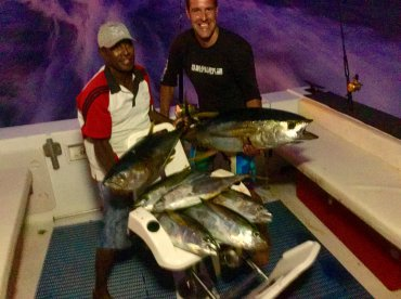 Yellow fin tuna fishing on sunset !!!!